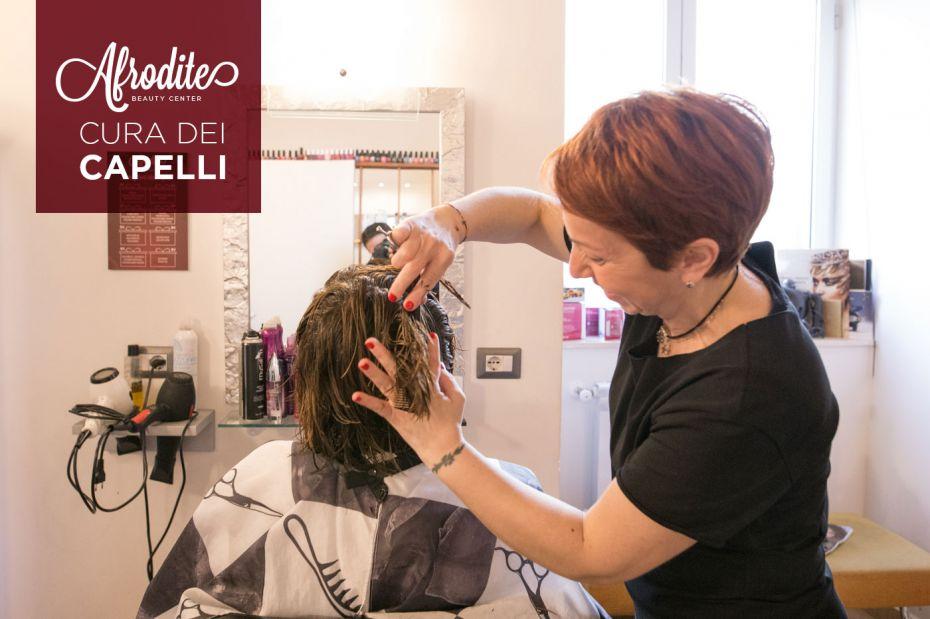 Scopri i servizi di Afrodite per la cura dei capelli